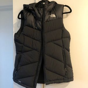 North Face Down Puffer Vest Size Small